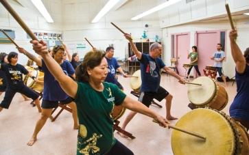 Taiko-Drumming-group